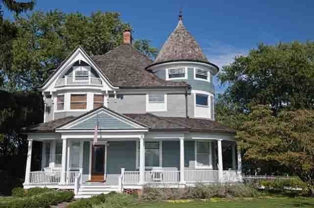 Own a Historic Home? Pay Homage to Its Story With Historic Paint Colors
